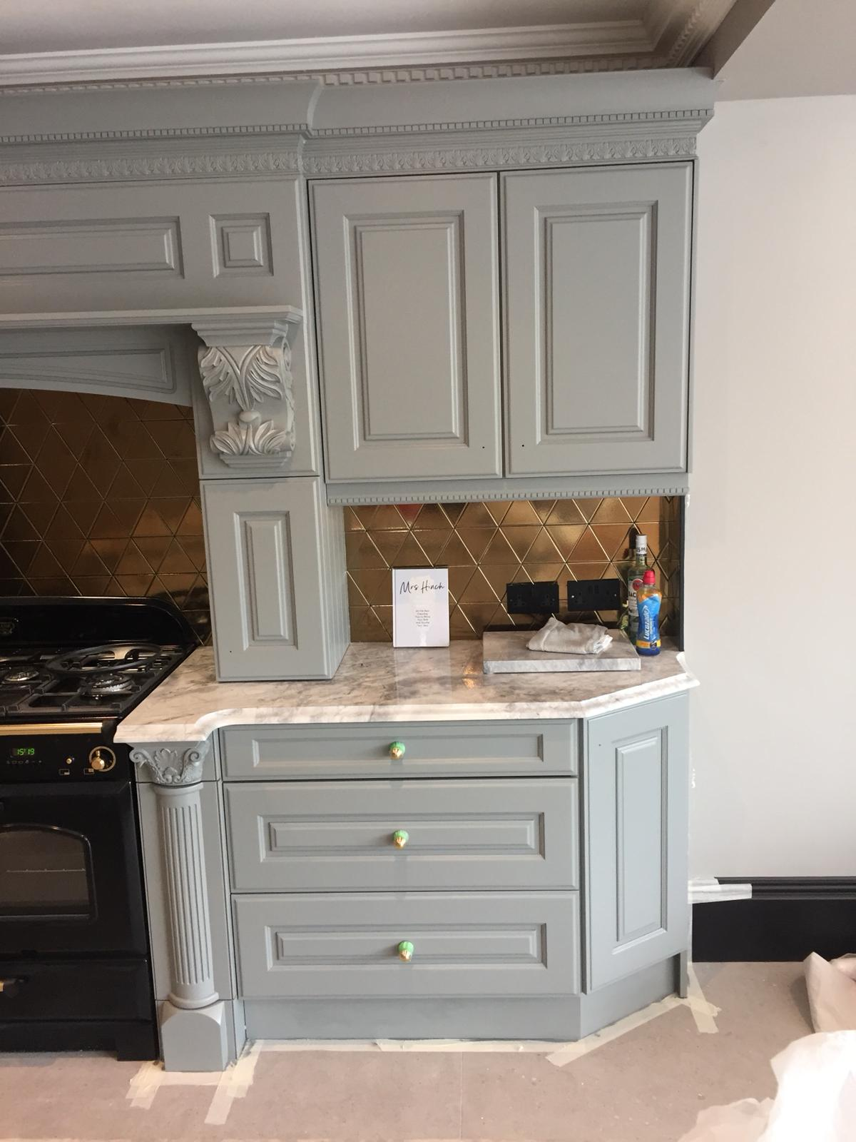 Hand painted bespoke kitchen in Belsize Park 4