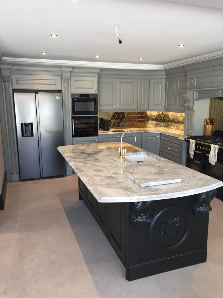 Hand painted bespoke kitchen in Belsize Park 1