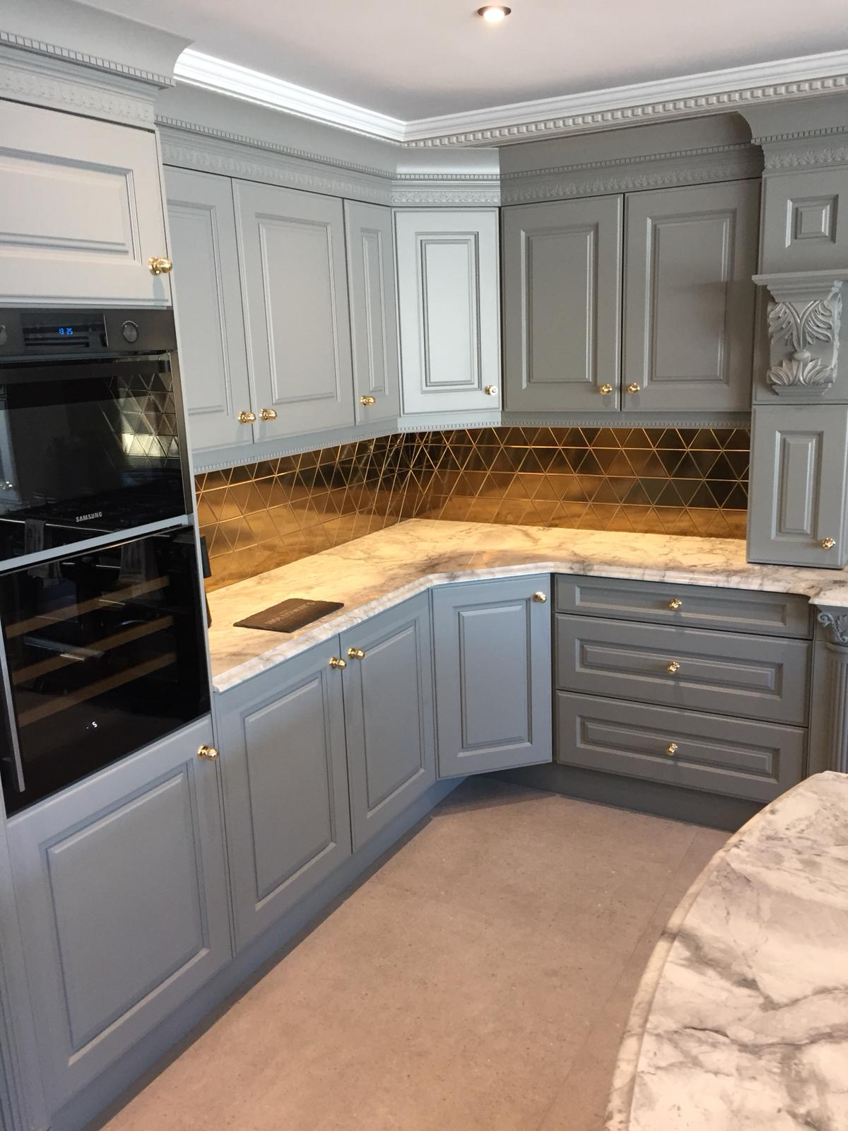 Hand painted bespoke kitchen in Belsize Park 3