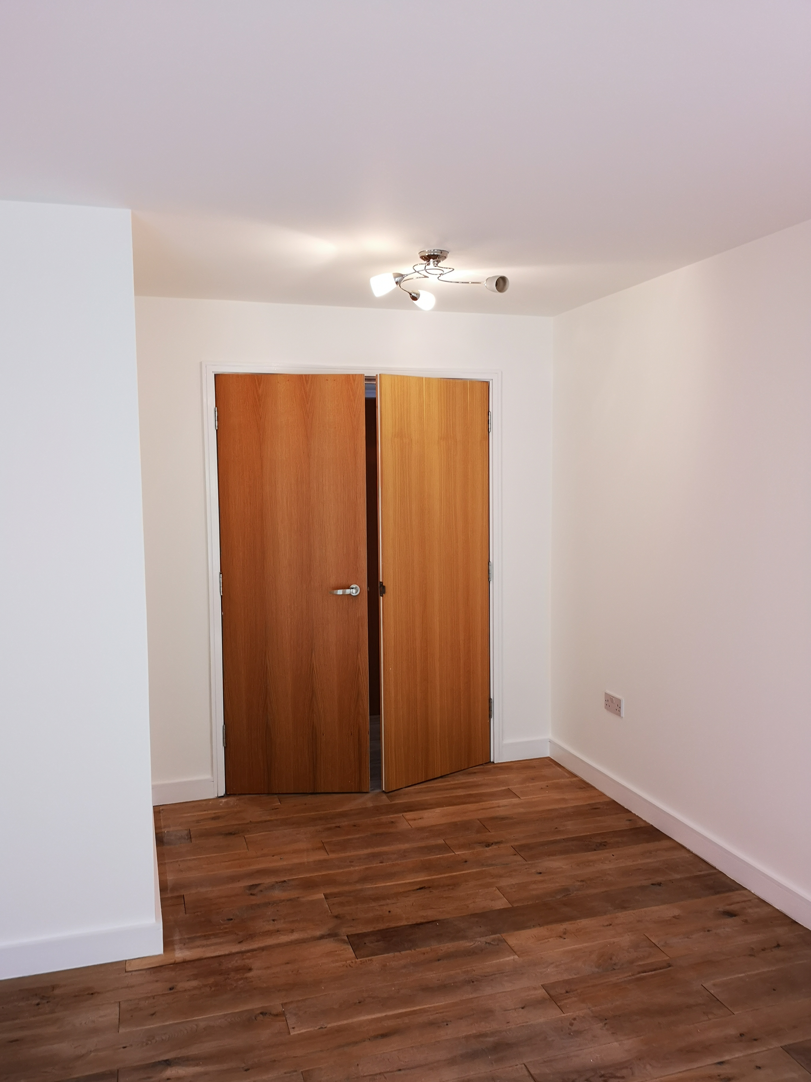 1 Bedroom Flat in East London 5