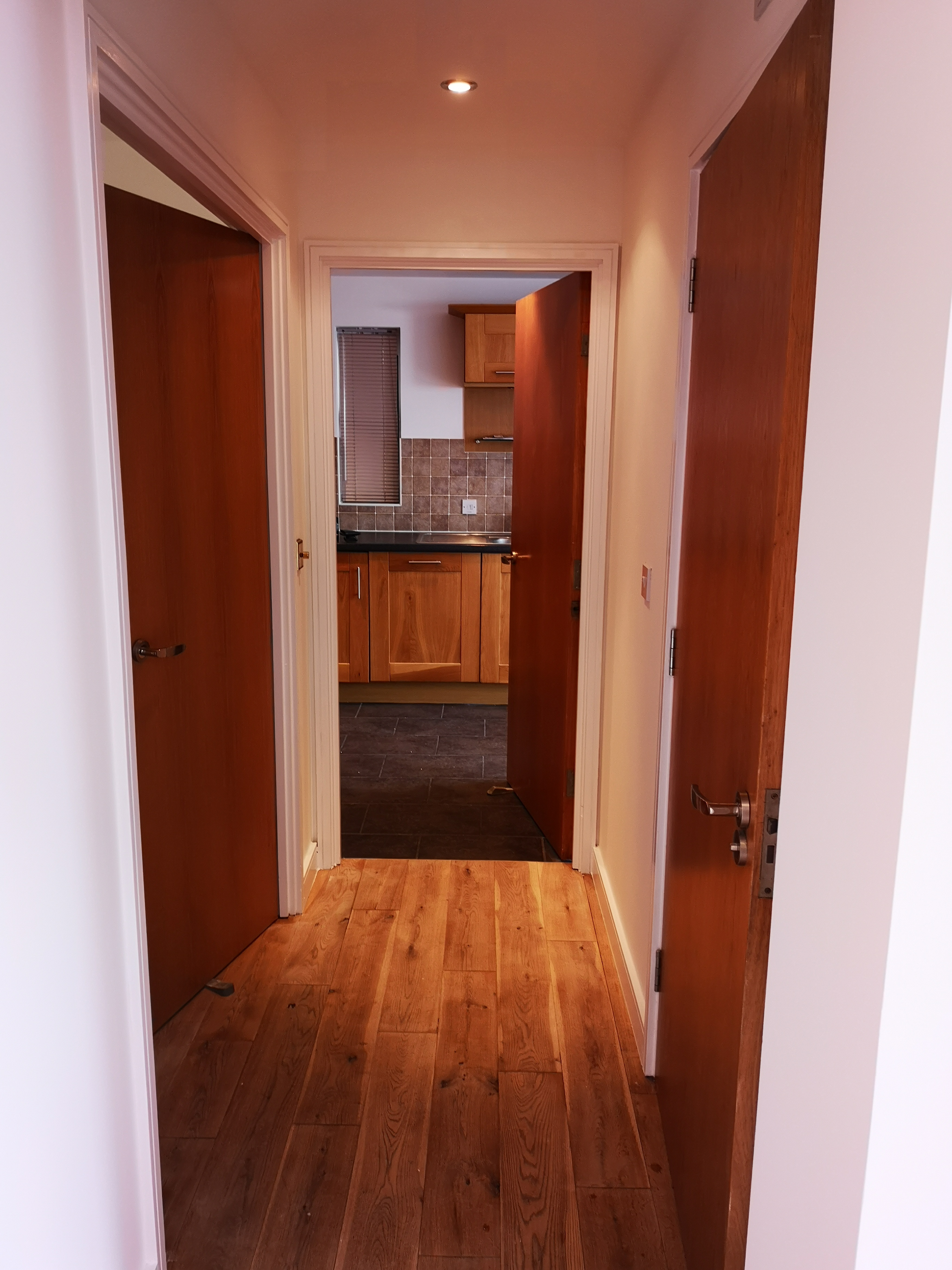 1 Bedroom Flat in East London 6
